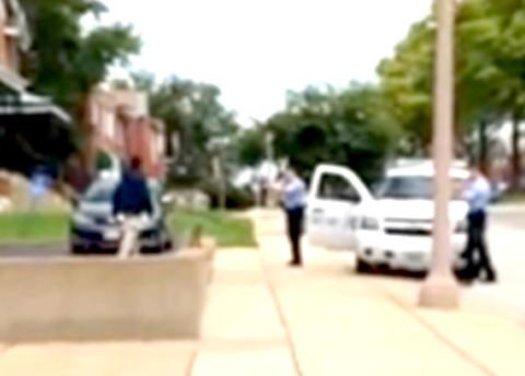 Politiet frigir video av drapet p� Kajieme Powell (25) for � vise hvordan de jobber