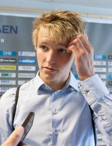 Mandag tar H�gmo ut troppen til kampen mot England og EM-kampen mot Italia. Der er ikke Martin �degaard
