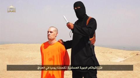 HENRETTELSESVIDEO: 19. august slapp Den islamske staten (IS) en video som skal vise det bestialske drapet p� den amerikanske journalisten James Foley (40). Foto: Reuters/NTB Scanpix