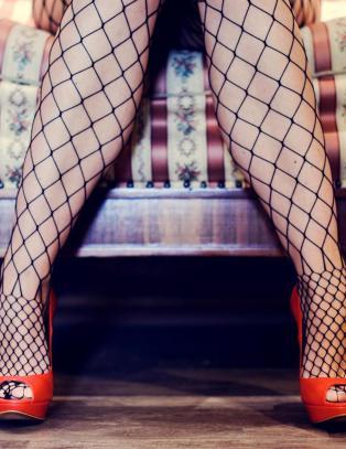 - Hun vil forverre sexarbeidernes k�r for � slippe grisete menns blikk