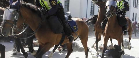 Skarp kritikk mot politiet etter oppt�yer i Malm�