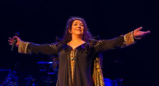 Kate Bushs f�rste konsert p� 35 �r: Nektet � spille sin st�rste hit