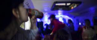 Elever ved eliteskole i Bergen m� drikke tequila fra pungen til medelever