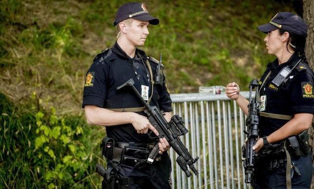 - Vi har hatt liknende terror�trusler som Norge hadde i sommer uten at vi sa fra