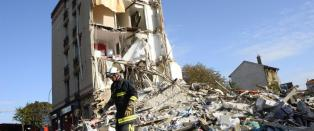 Boligbygg raste sammen i Paris-forstad