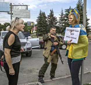 Ukrainske Irina ble bundet til lykte�stolpe og banket opp: - Bildet reddet livet mitt
