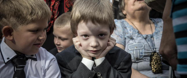 Nikita (6) er livredd for lyden av krig