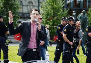 - Panikk i Sverigedemokratene da det viste seg at Breivik stod bak terrorangrepene