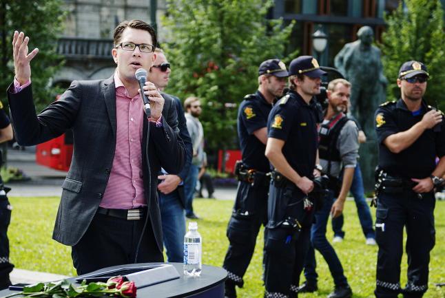 - Panikk i Sverige�demokratene da det viste seg at Breivik stod bak terror�angrepene