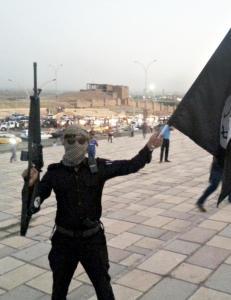 En av tre mener Norge b�r bidra milit�rt mot IS
