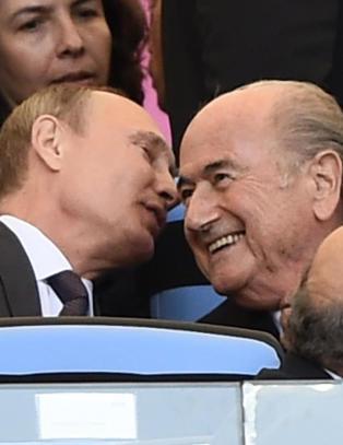Avviser at det er aktuelt � frata Putin fotball-VM