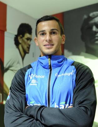 N� legger Omar (22) beslag p� Norges back-plass: - Jeg f�ler den er min