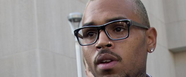 Chris Brown erkjenner � ha sl�tt ned mann p� gata