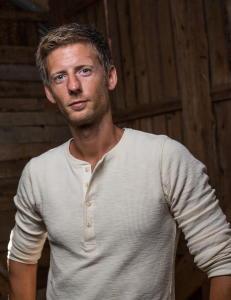 TV 2 overv�ker Facebook etter �Farmen�-hat