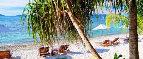 Ligger skjult blant palmene og er �yas eneste hotell - det er ikke noe rart at det heter �Skatten�