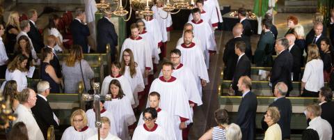 - NRK har en profesjonell distanse til religi�se sp�rsm�l