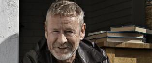 Sterk svensk hyllest til forfatter Tomas Espedal