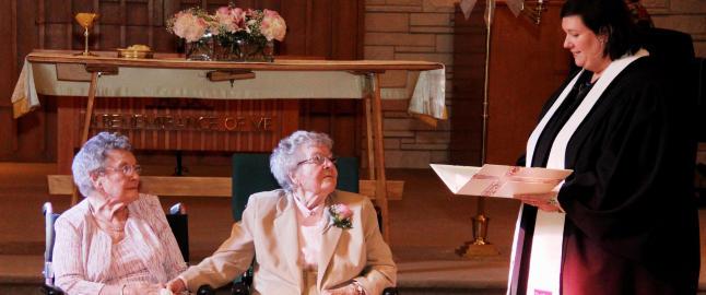 Her gir Vivian (91) og Alice (90) sitt ja til hverandre