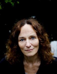 Camilla Stoltenberg (56) pr�ver � begripe at s�steren Nini er borte