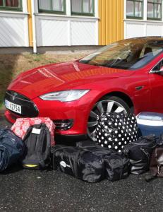 Slik er den billigste Teslaen!