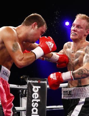 Han stakk av med seieren i norsk boksedrama