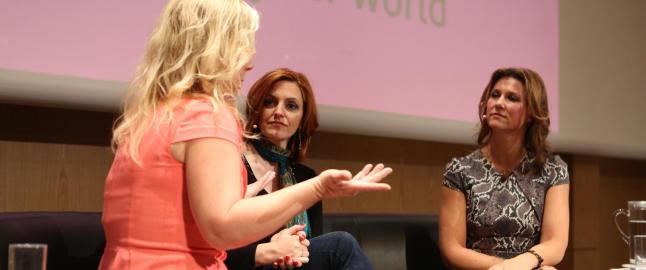 Her snakker prinsesse M�rtha og det p�st�tte mediumet Lisa Williams om kontakt med de d�de