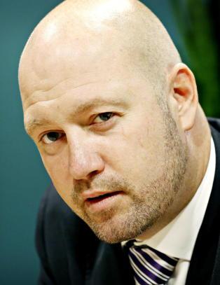 - Vil H�yre-Frp-regjeringen betale reisen og fly fangene til permisjon i Norge?