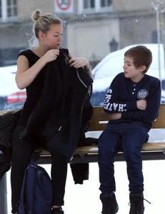 �Gutten som fryser� gikk som en farsott og ble sett av millioner - her er oppf�lgeren
