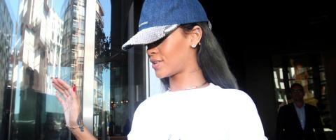 Rasende Rihanna ble TV-dumpet etter voldsvideo: - Fuck you!