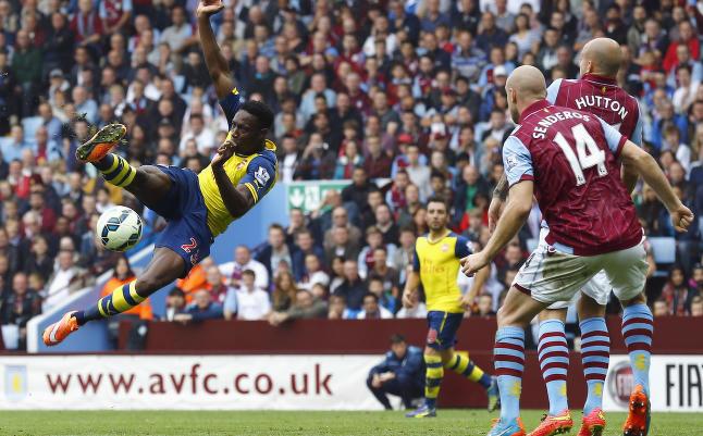 Welbeck og �zil knuste Villa p� fire magiske Arsenal-minutter