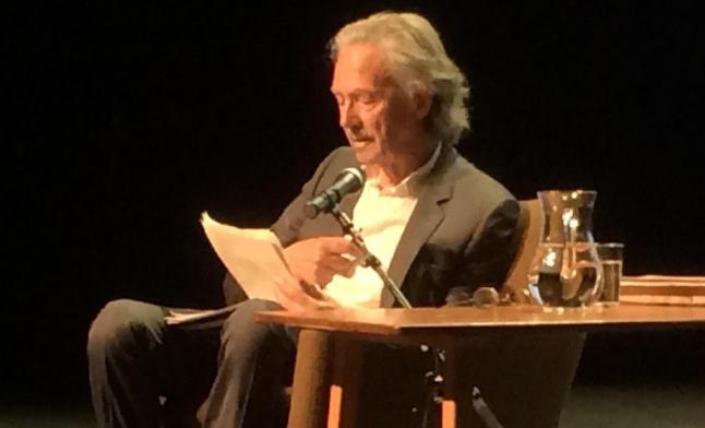 Omstridt forfatter sier fra seg 2,5 mill. i pris�penger etter �uvennlig mottagelse� i Norge