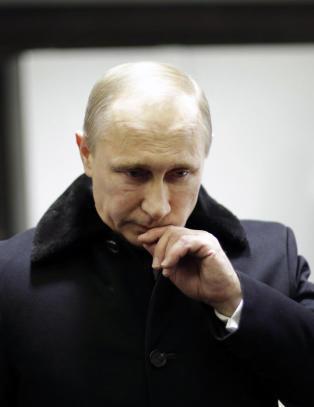 - Putin er isolert, farlig og paranoid