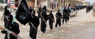 - Titalls krigere drept da USA slo til mot IS' viktigste by