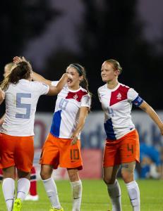 Skottland m�ter Nederland til skjebnekamp