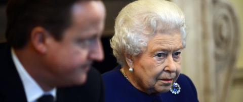 Flau Cameron beklager  at han sa at dronning Elizabeth �malte som en katt�