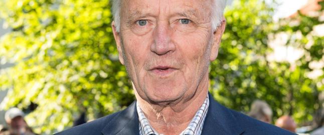 Thorvald Stoltenberg har f�tt seg kj�reste