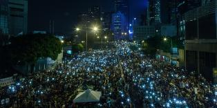 Venter 100 000 demonstranter i Hongkong i natt