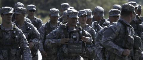 NATO rasler med sablene overfor Russland