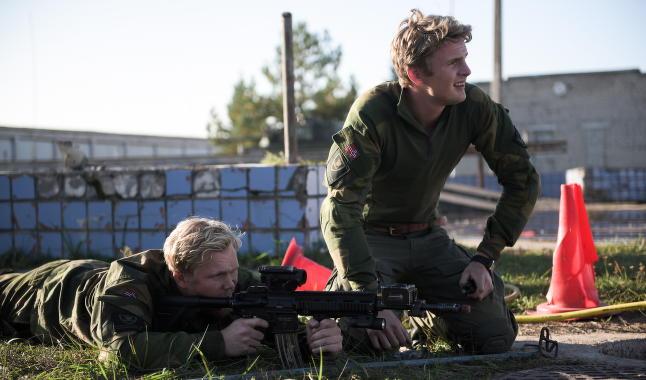 Her trener norske soldater i Putins nabolag