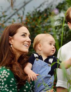 Fotografer bedt om � holde seg unna prins George