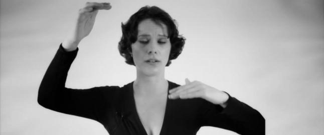 Anna-Maria kan synge to toner samtidig