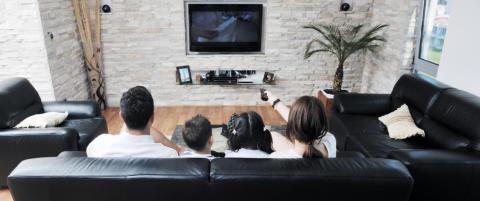 Er det s� rart at flere og flere dropper tradisjonell tv-titting?