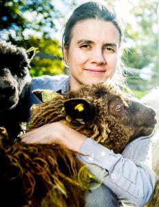 Siri Martinsen sl�ss for  kyllingen - f�r hun drahjelp av bakteriene?