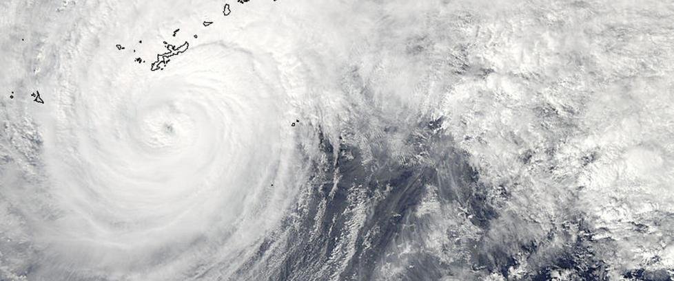 Kraftig tyfon treffer Japan
