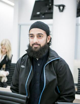 - V�r kj�re bror har blitt et offer for den fysiske og ideologiske krigf�ringen mot Islam og muslimer