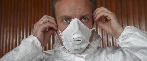Brende pr�vde verneutstyr mot ebola