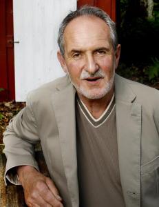 Sj�krigsserien har gjort ham til en av Norges mesttjenende forfattere