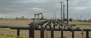 Oljeprisen stupte neste 30 prosent - Opec sitter stille