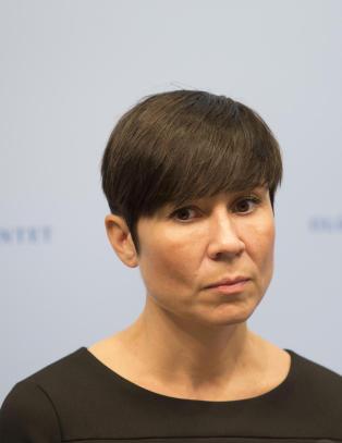 Forsvarsministeren trekker omstridt sikkerhetsinstruks