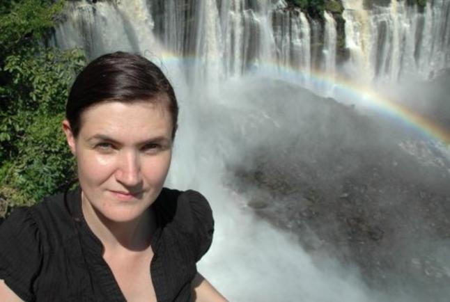 - Jeg var eplekjekk p� Facebook, og endte med � reise til Nord-Nigeria